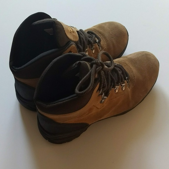 bc0e558eff3 Earth Spirit Suede Leather Hiking Boots Size 9